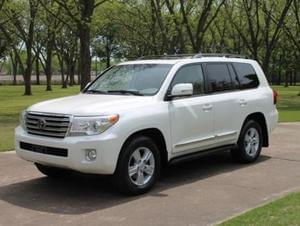 2013 TOYOTA LAND CRUISER.
