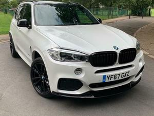 X5 2.0 40e M Sport Steptronic xDrive 360 CAMERAS, PAN ROOF, HEADUP, FULL M PERFORMANCE BODYKIT!