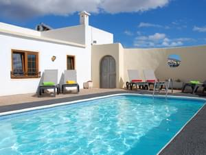 RURAL 3 BEDROOM VILLA WITH PRIVATE, GATED POOL, LANZAROTE